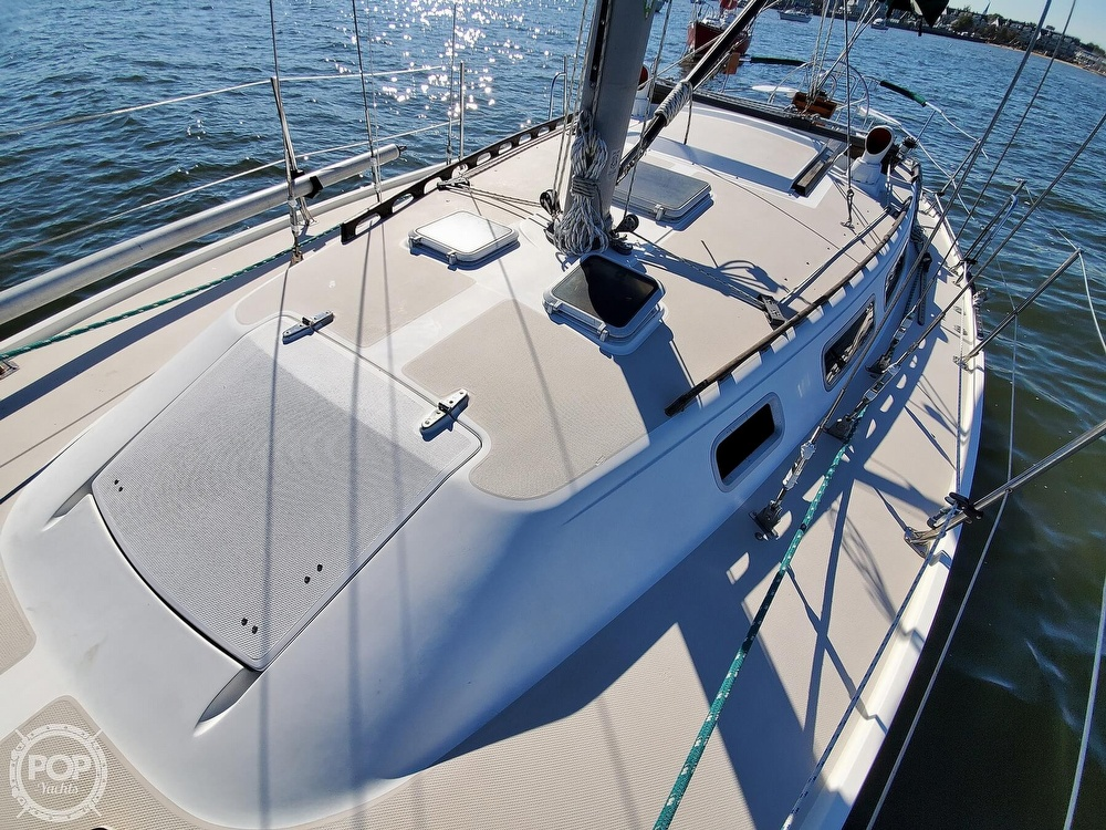 1985 Catalina Yachts boat for sale, model of the boat is 36 & Image # 14 of 40