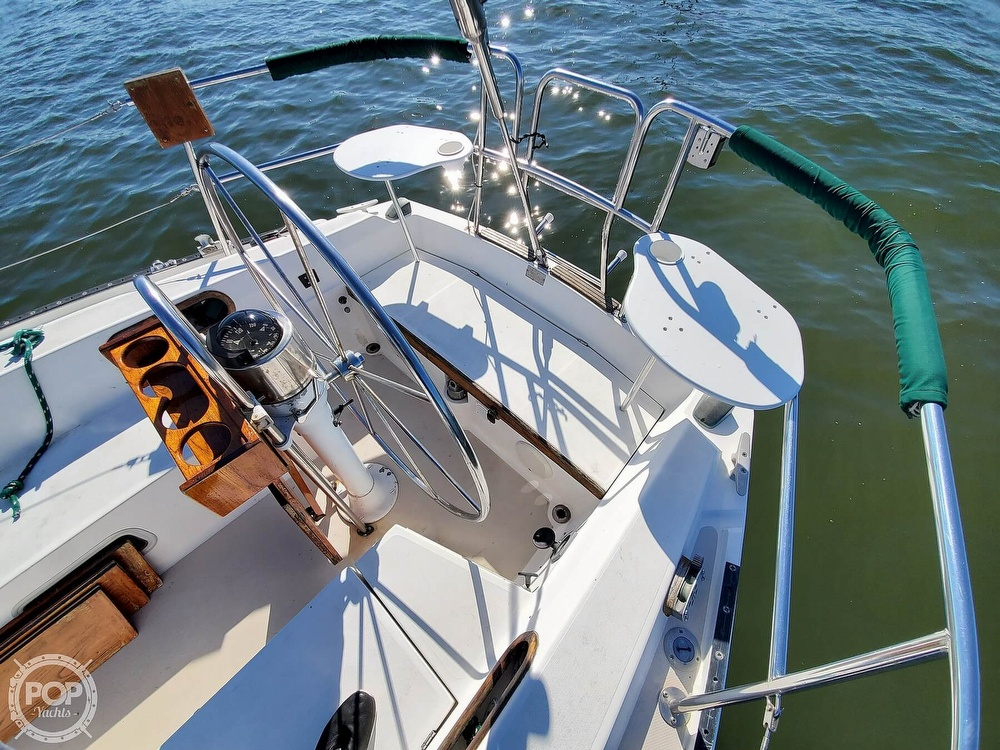 1985 Catalina Yachts boat for sale, model of the boat is 36 & Image # 20 of 40