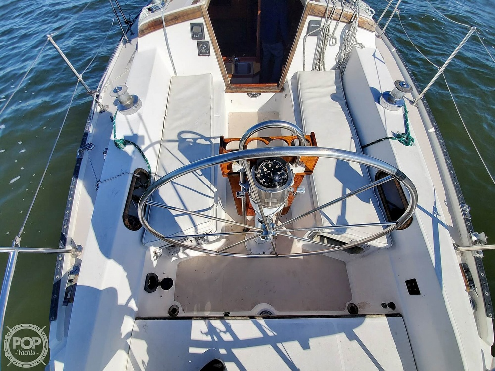 1985 Catalina Yachts boat for sale, model of the boat is 36 & Image # 21 of 40