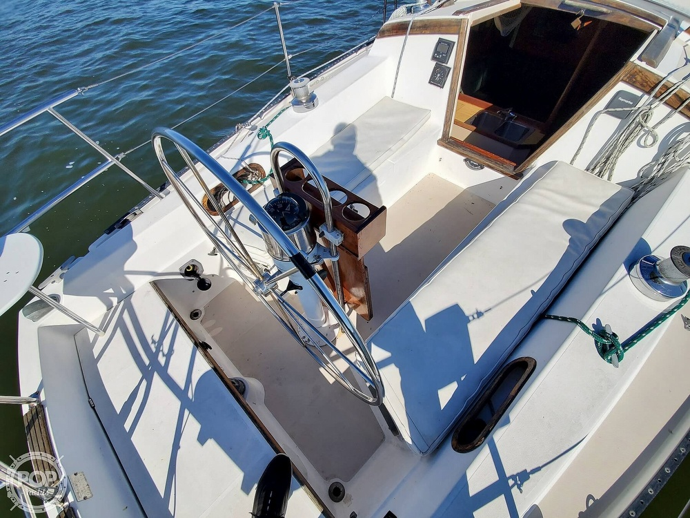 1985 Catalina Yachts boat for sale, model of the boat is 36 & Image # 23 of 40