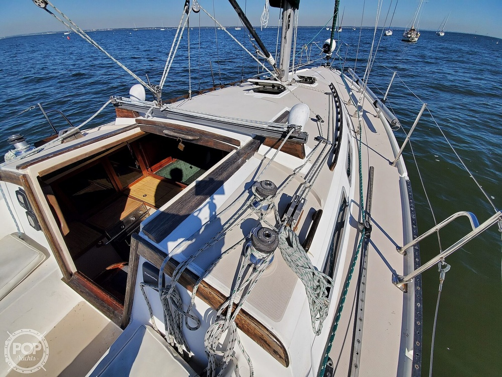 1985 Catalina Yachts boat for sale, model of the boat is 36 & Image # 25 of 40