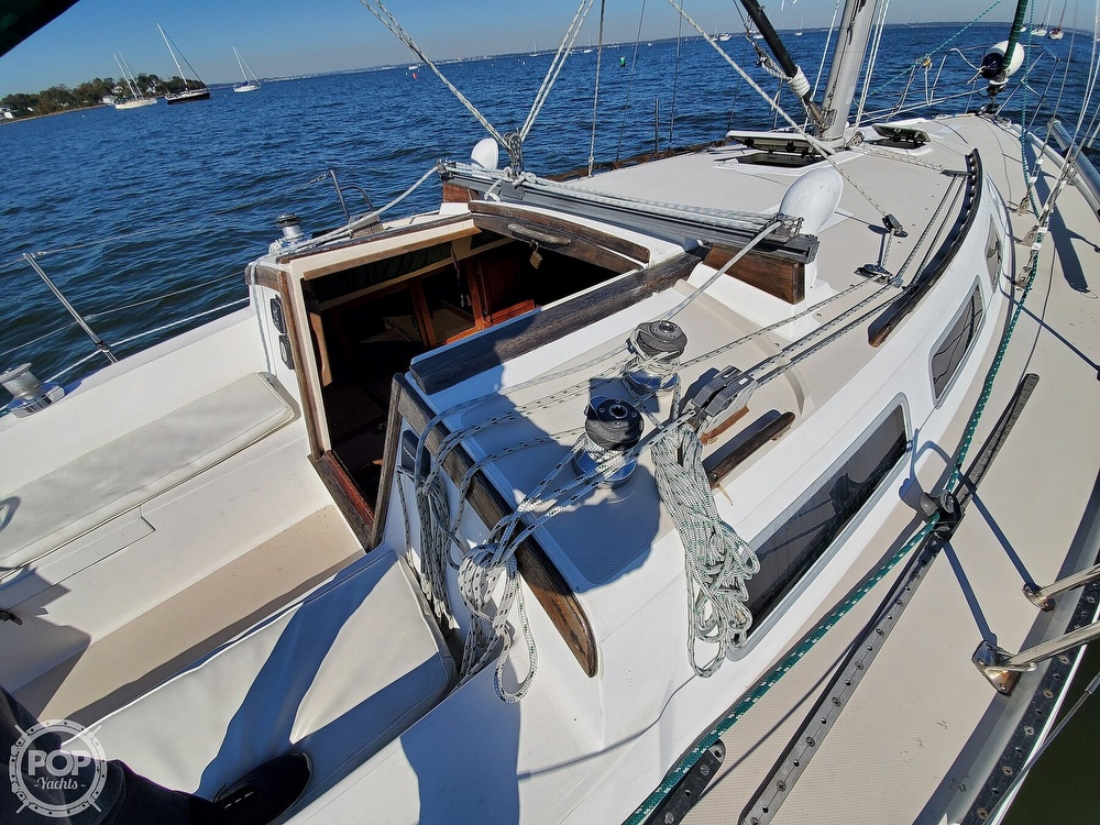 1985 Catalina Yachts boat for sale, model of the boat is 36 & Image # 26 of 40