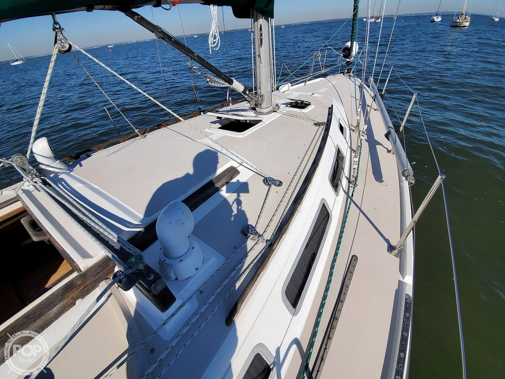 1985 Catalina Yachts boat for sale, model of the boat is 36 & Image # 27 of 40