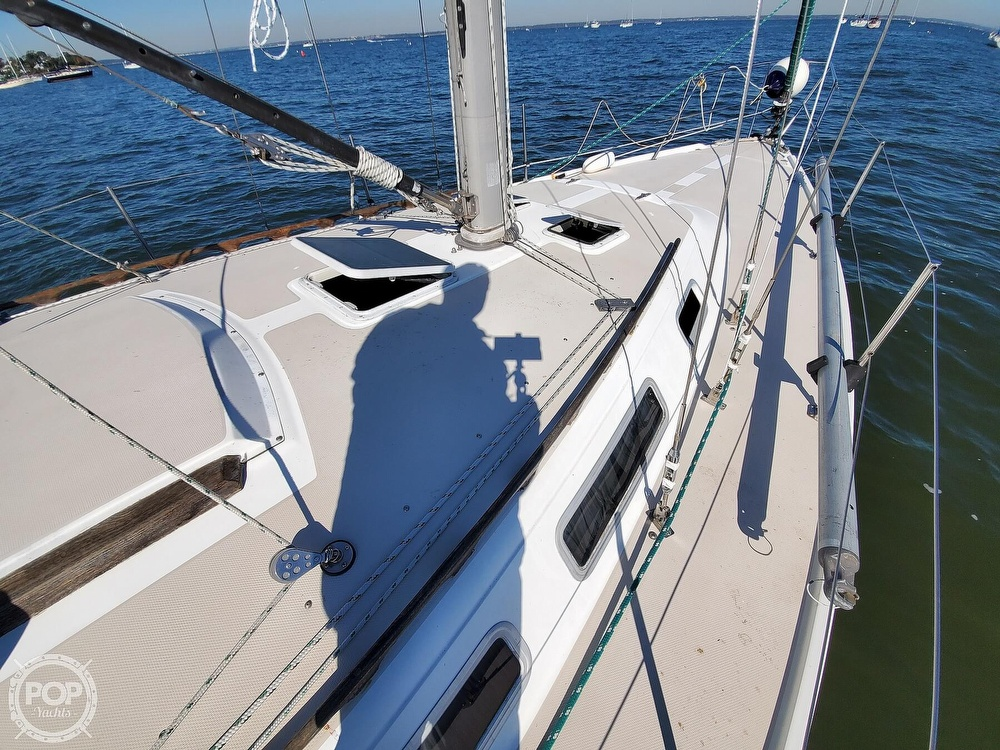 1985 Catalina Yachts boat for sale, model of the boat is 36 & Image # 28 of 40