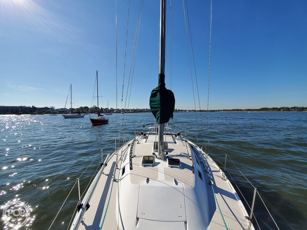 1985 Catalina Yachts boat for sale, model of the boat is 36 & Image # 31 of 40