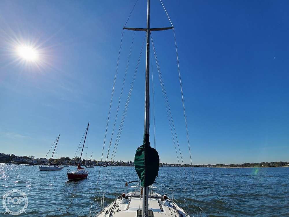 1985 Catalina Yachts boat for sale, model of the boat is 36 & Image # 32 of 40