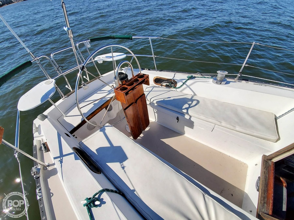 1985 Catalina Yachts boat for sale, model of the boat is 36 & Image # 39 of 40