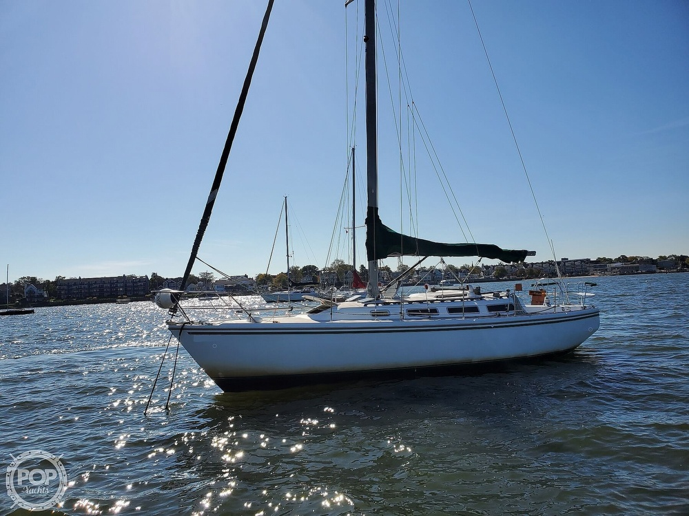 1985 Catalina Yachts boat for sale, model of the boat is 36 & Image # 2 of 40