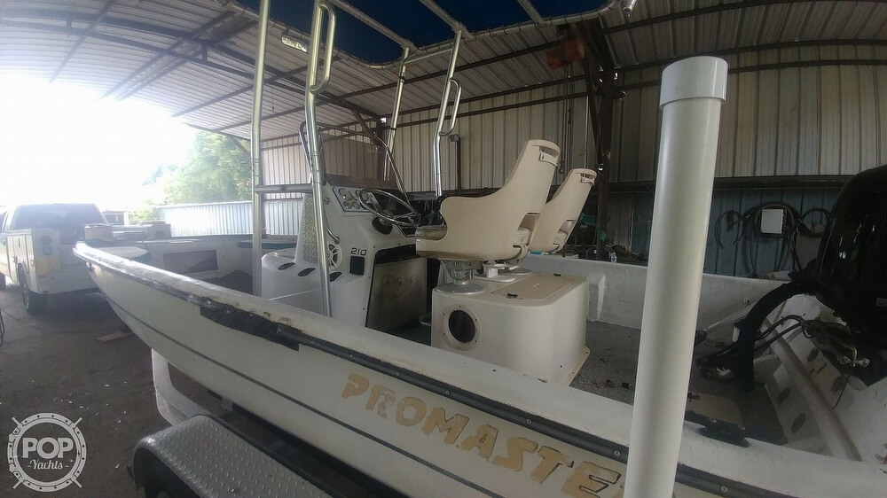2000 Sprint boat for sale, model of the boat is Promaster 21 & Image # 18 of 40