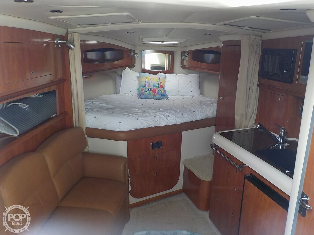 2006 Four Winns boat for sale, model of the boat is 318 Vista & Image # 10 of 40