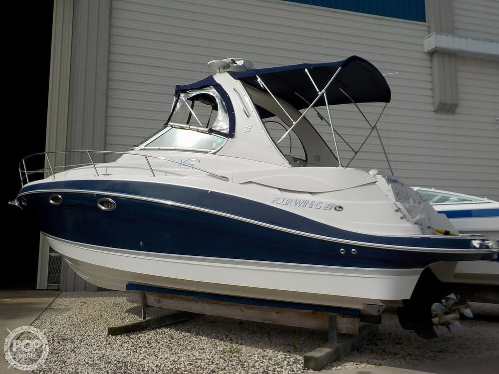 2006 Four Winns boat for sale, model of the boat is 318 Vista & Image # 15 of 40