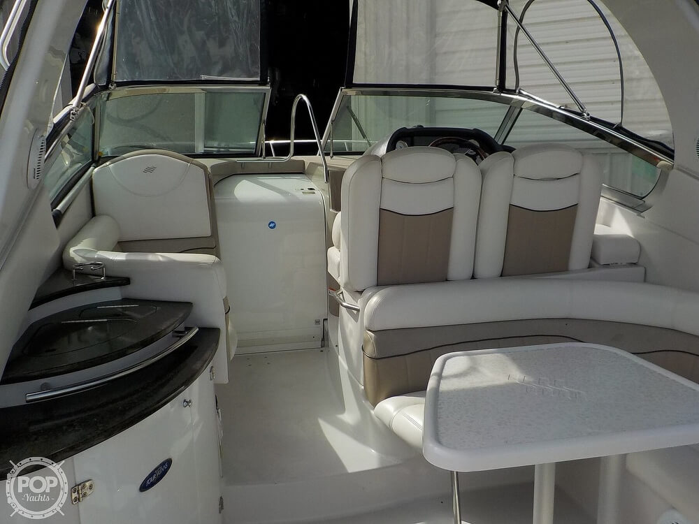 2006 Four Winns boat for sale, model of the boat is 318 Vista & Image # 33 of 40