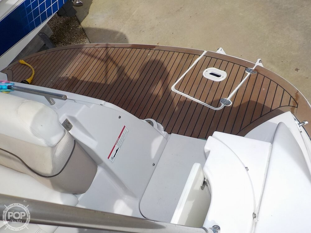 2006 Four Winns boat for sale, model of the boat is 318 Vista & Image # 36 of 40