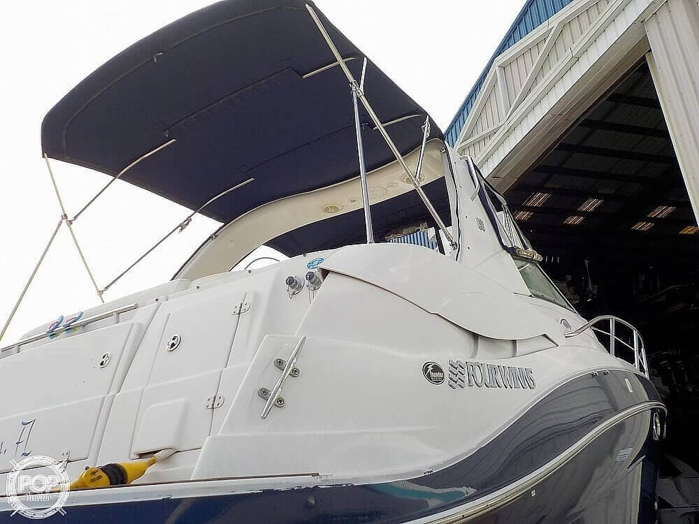 2006 Four Winns boat for sale, model of the boat is 318 Vista & Image # 24 of 40
