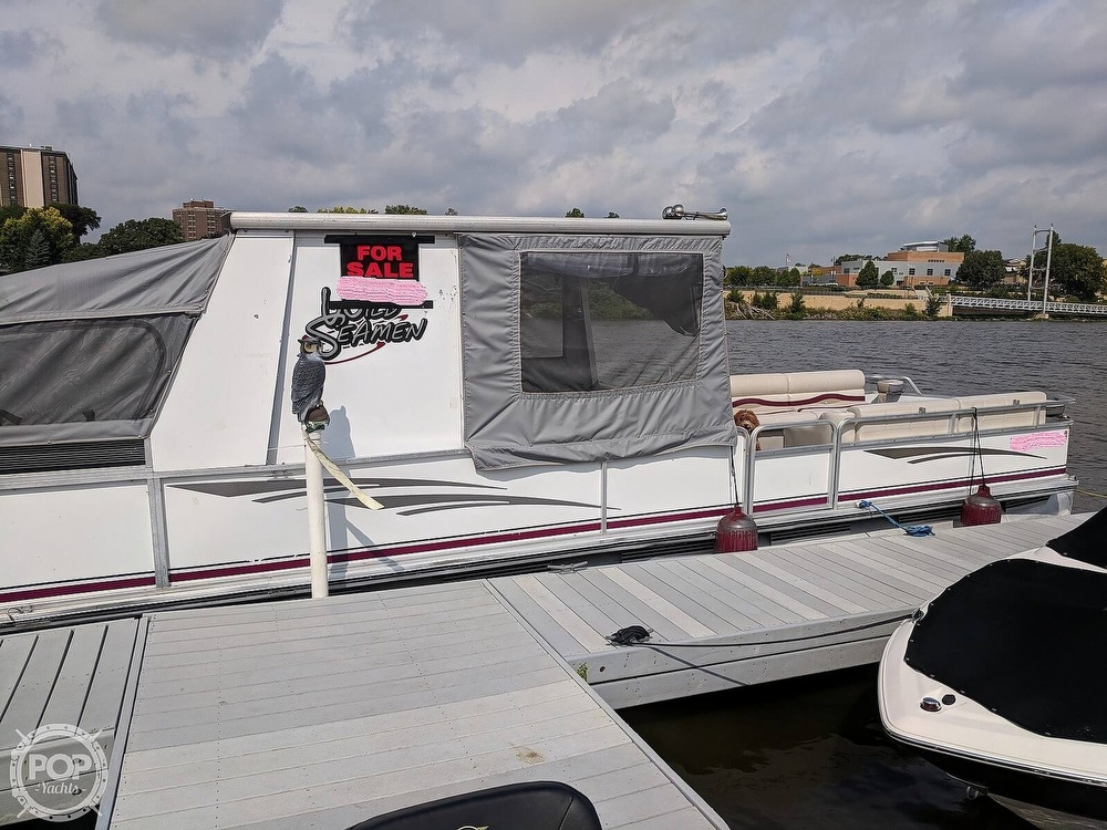 1997 Sun Tracker boat for sale, model of the boat is Party Hut 30 & Image # 8 of 41