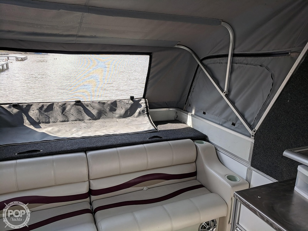 1997 Sun Tracker boat for sale, model of the boat is Party Hut 30 & Image # 32 of 41
