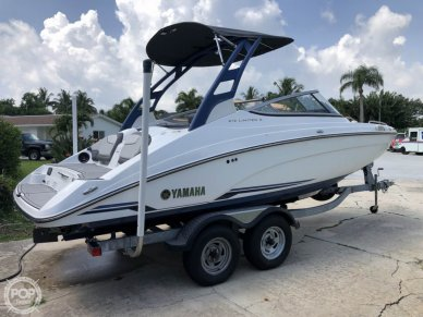 Yamaha 212 Limited S, 21', for sale - $48,900