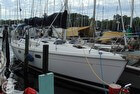 1998 Hunter 380 Sloop