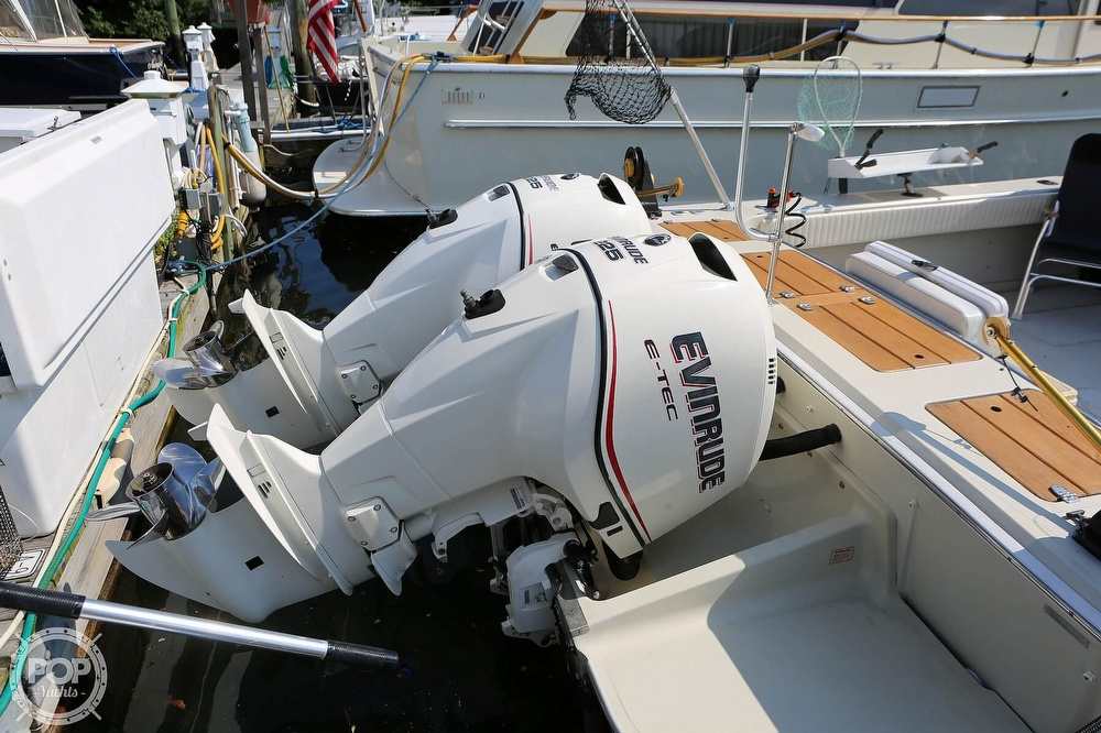 1989 Boston Whaler boat for sale, model of the boat is Outrage 27 & Image # 24 of 40