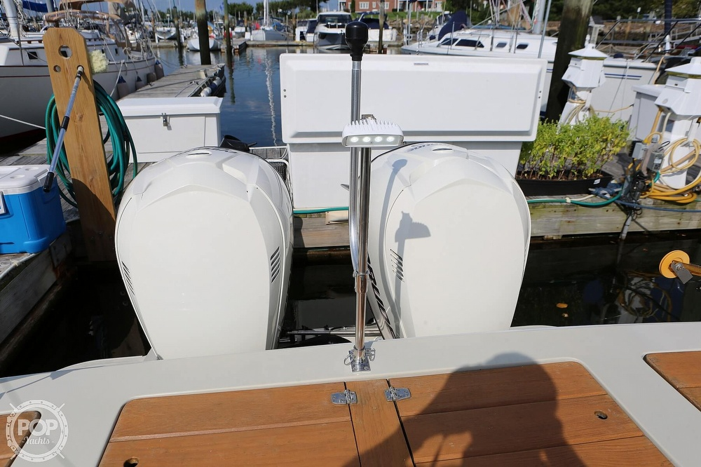 1989 Boston Whaler boat for sale, model of the boat is Outrage 27 & Image # 26 of 40