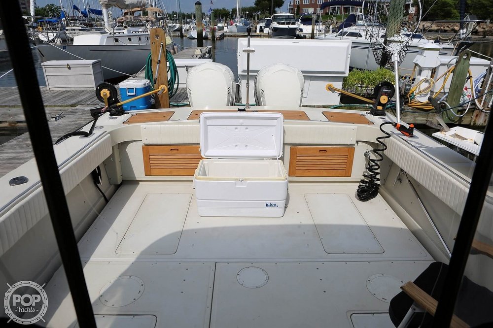 1989 Boston Whaler boat for sale, model of the boat is Outrage 27 & Image # 31 of 40