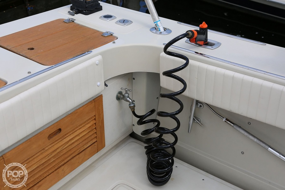 1989 Boston Whaler boat for sale, model of the boat is Outrage 27 & Image # 34 of 40