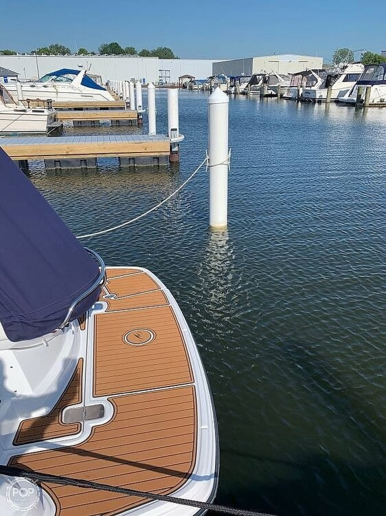 2017 Monterey 295 Sports Yacht - image 13