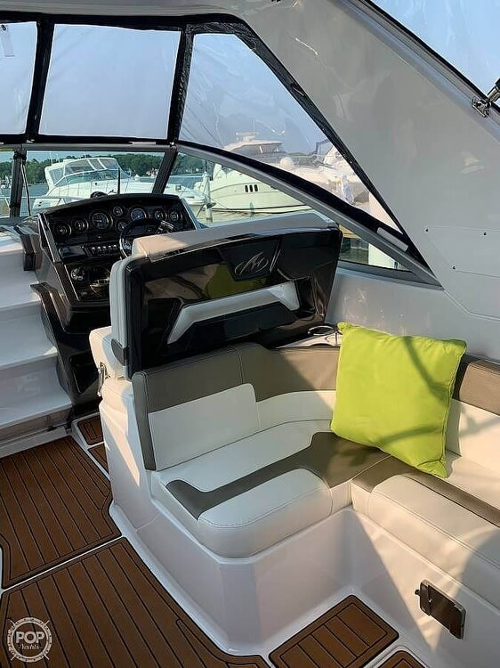 2017 Monterey 295 Sports Yacht - image 18