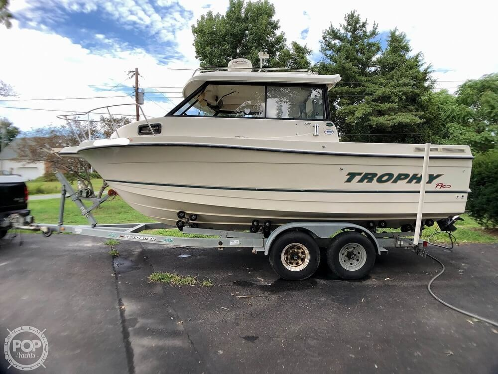 2002 Trophy boat for sale, model of the boat is Pro 2359 WA & Image # 7 of 40