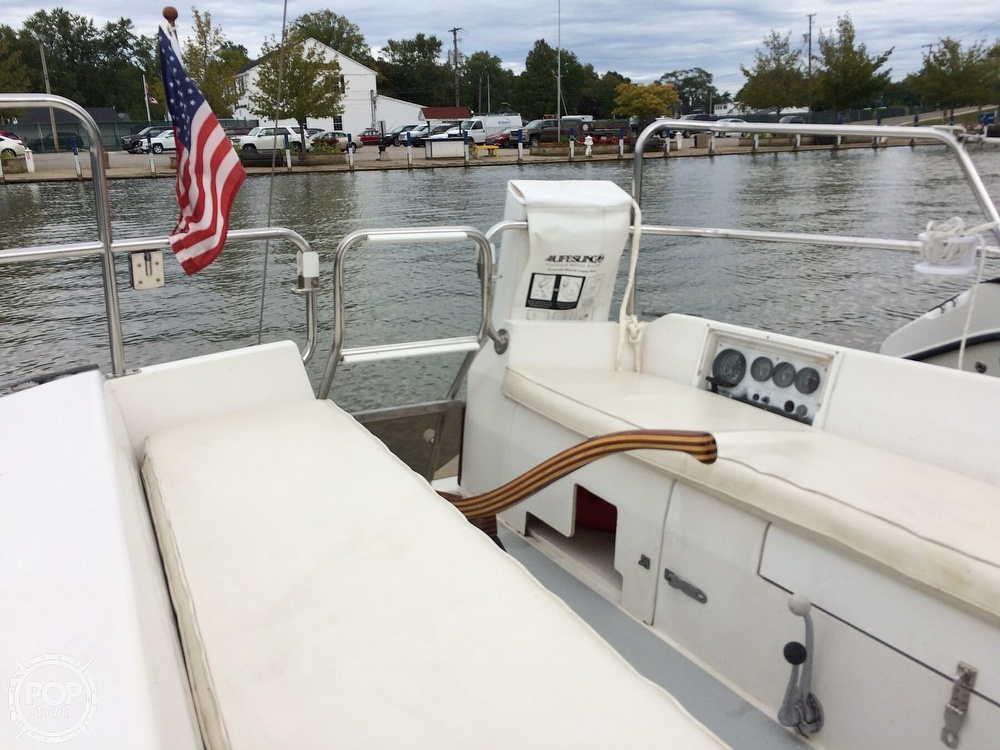 1991 Catalina Yachts boat for sale, model of the boat is Capri 26 & Image # 9 of 40