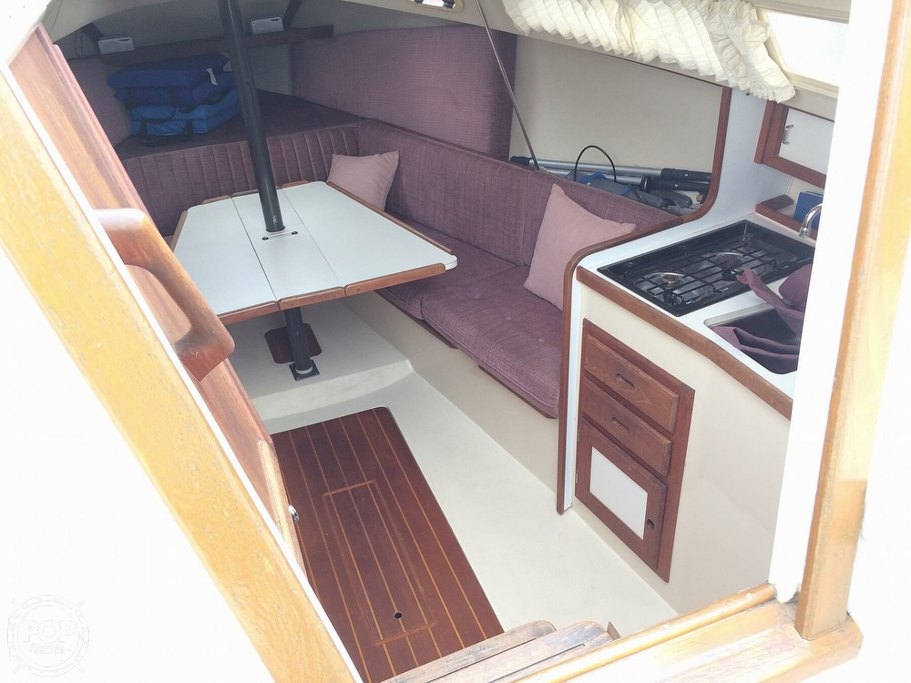 1991 Catalina Yachts boat for sale, model of the boat is Capri 26 & Image # 11 of 40