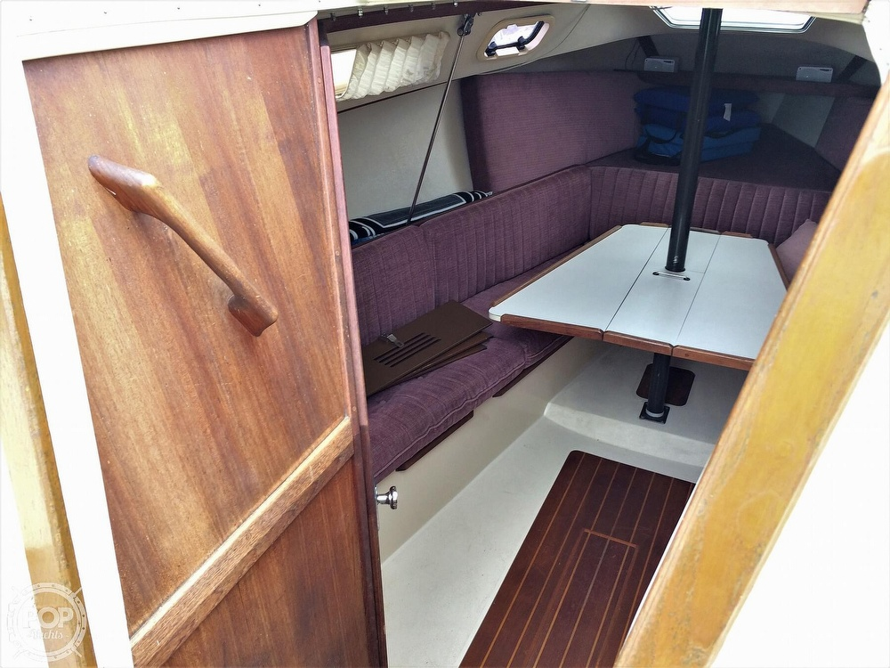 1991 Catalina Yachts boat for sale, model of the boat is Capri 26 & Image # 6 of 40