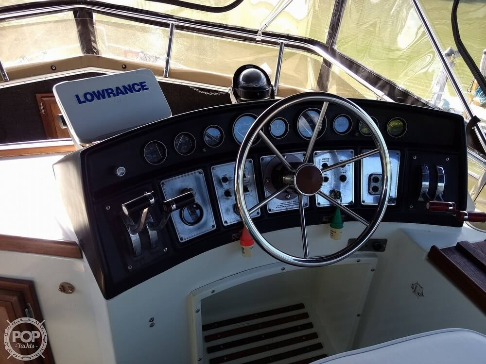 1982 Carver boat for sale, model of the boat is 3607 Aft Cabin & Image # 12 of 40