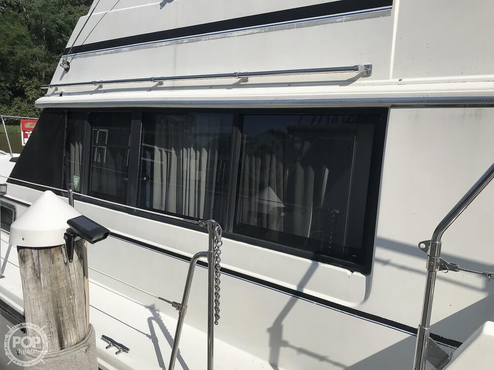 1982 Carver boat for sale, model of the boat is 3607 Aft Cabin & Image # 32 of 40