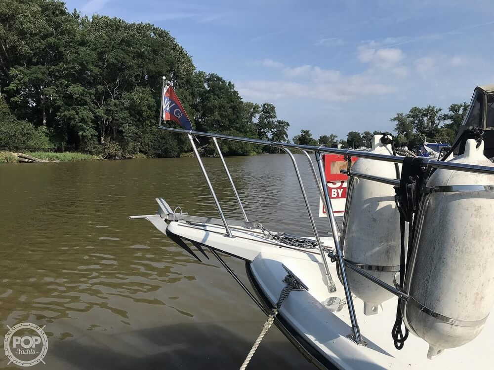 1982 Carver boat for sale, model of the boat is 3607 Aft Cabin & Image # 35 of 40