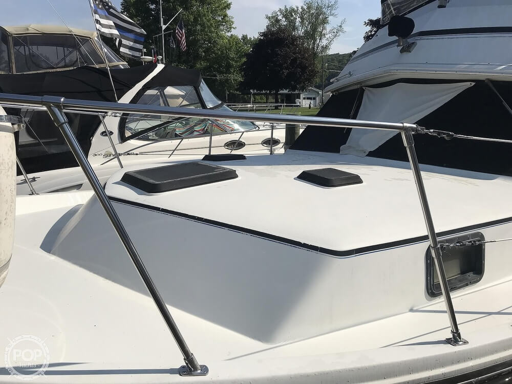 1982 Carver boat for sale, model of the boat is 3607 Aft Cabin & Image # 37 of 40