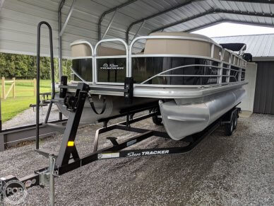 Sun Tracker Party Barge 22 DLX, 22, for sale