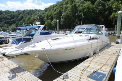 Sea Ray 310 Express Cruiser, 35', for sale - $15,500
