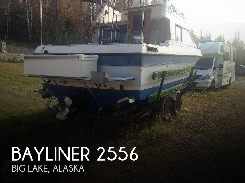 1986 Bayliner boat for sale, model of the boat is 2556 Ciera Command Bridge & Image # 1 of 2