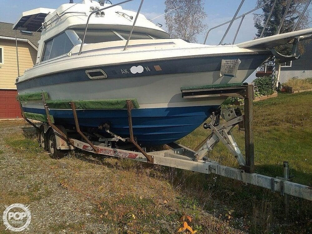 1986 Bayliner boat for sale, model of the boat is 2556 Ciera Command Bridge & Image # 2 of 2