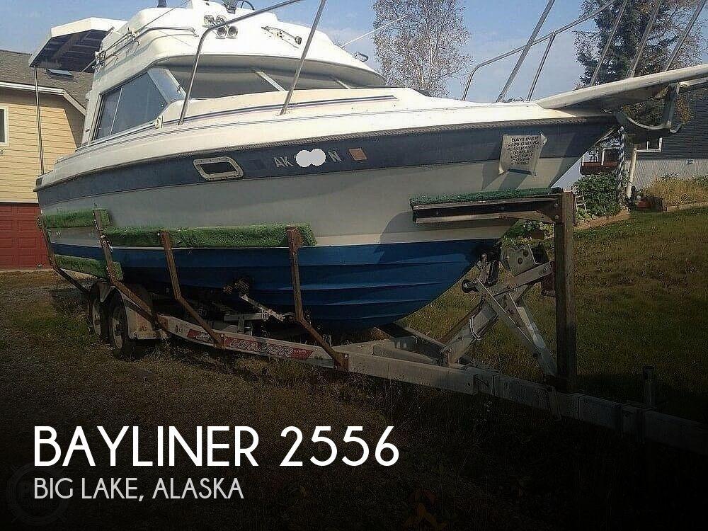 1986 Bayliner boat for sale, model of the boat is 2556 Ciera Command Bridge & Image # 1 of 2