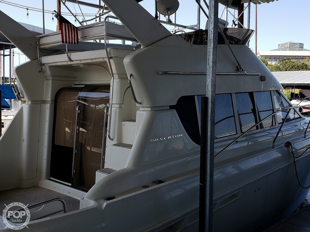 1994 Silverton boat for sale, model of the boat is 362 Sedan & Image # 2 of 40