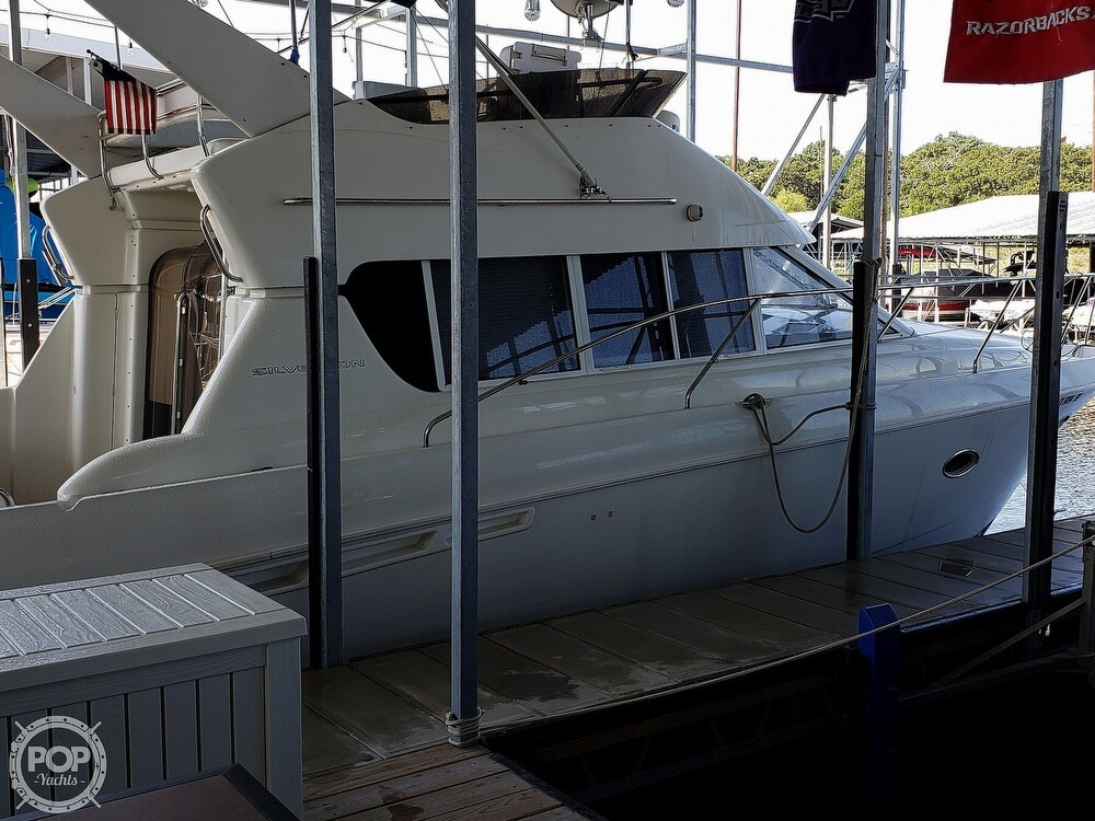 1994 Silverton boat for sale, model of the boat is 362 Sedan & Image # 4 of 40