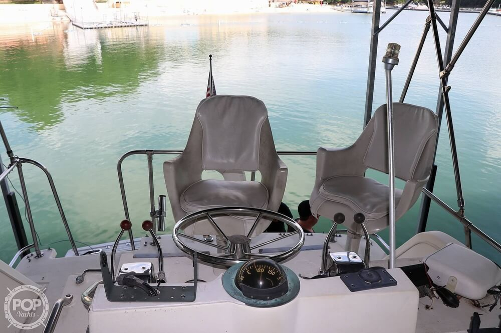 1984 Viking boat for sale, model of the boat is 35 Convertible & Image # 13 of 40