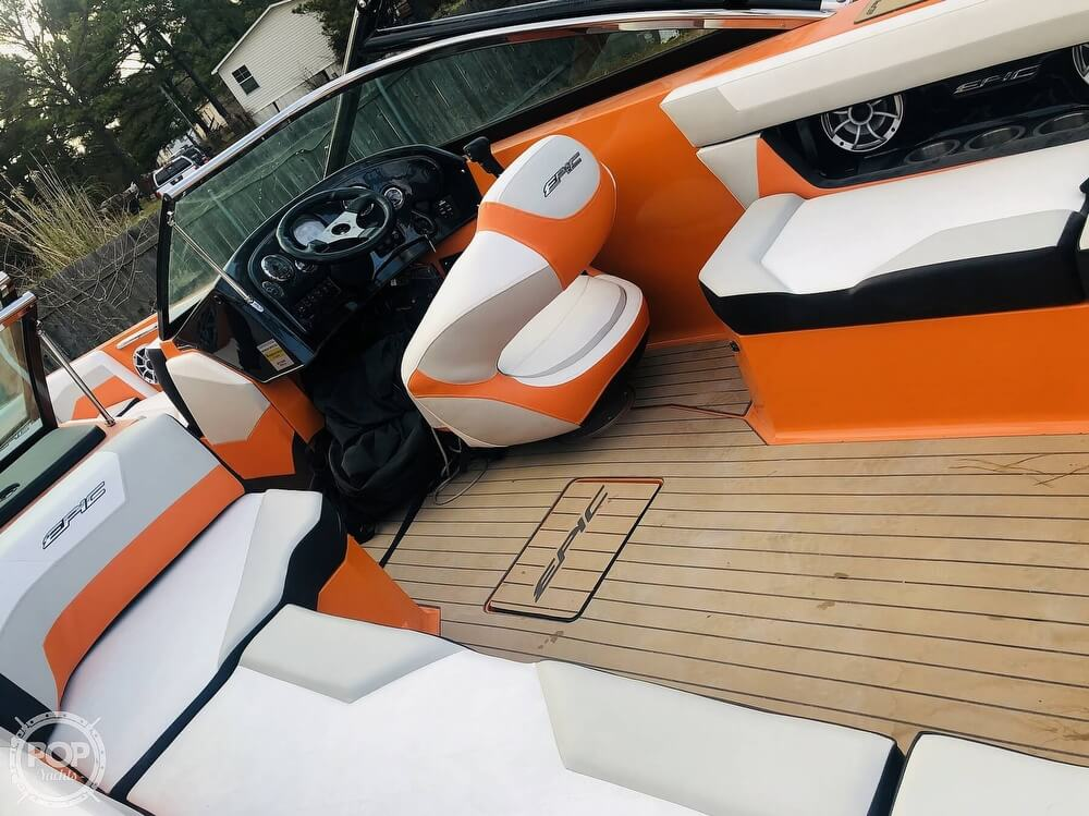 2017 Epic boat for sale, model of the boat is 23V & Image # 23 of 40