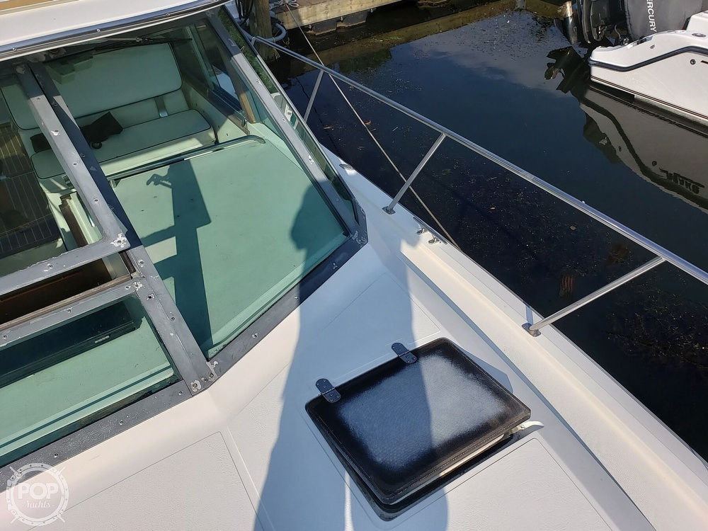 1988 Tiara Yachts boat for sale, model of the boat is 3100 & Image # 5 of 40