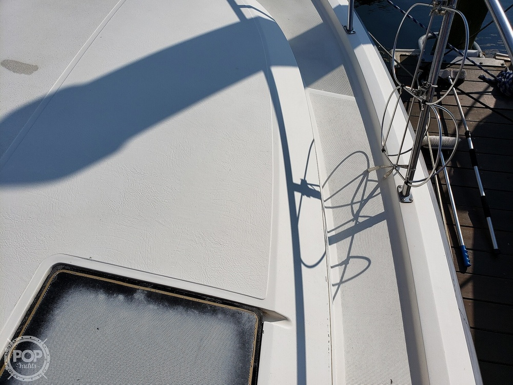 1988 Tiara Yachts boat for sale, model of the boat is 3100 & Image # 9 of 40