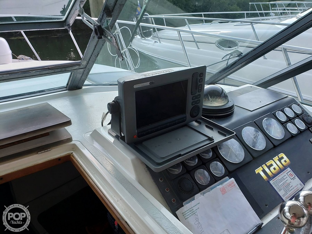 1988 Tiara Yachts boat for sale, model of the boat is 3100 & Image # 16 of 40