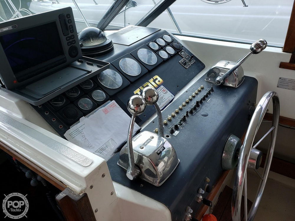 1988 Tiara Yachts boat for sale, model of the boat is 3100 & Image # 17 of 40