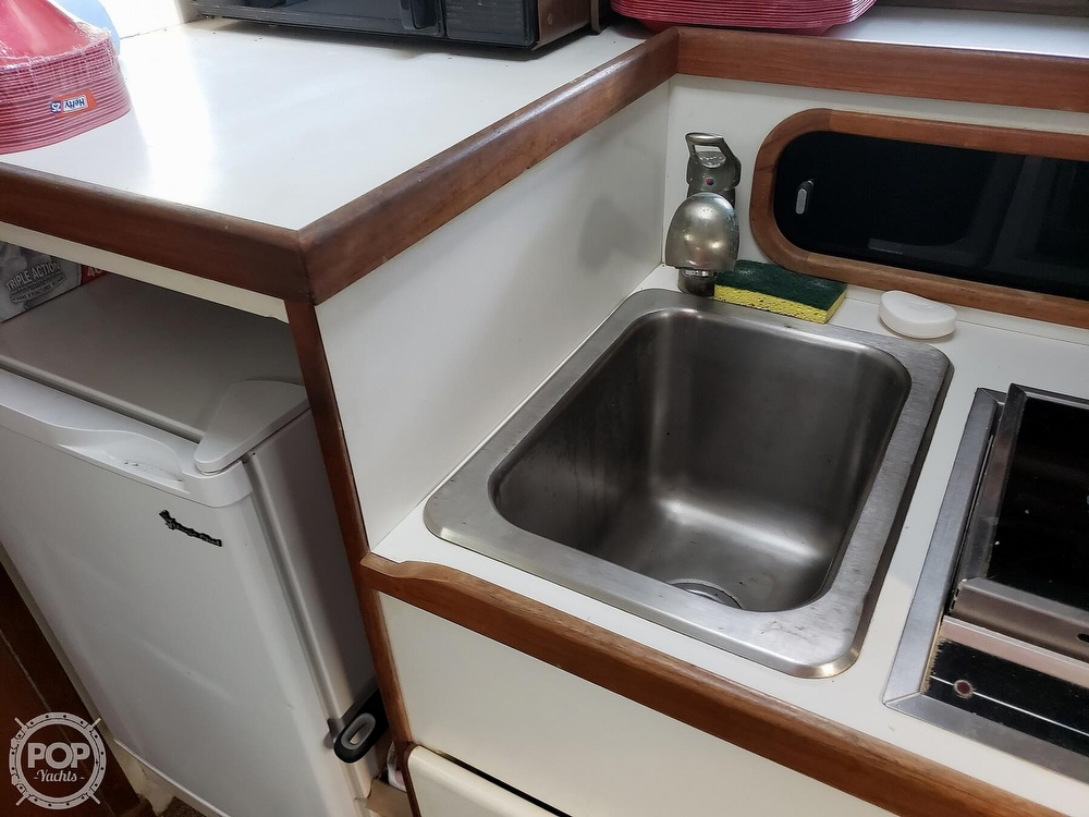1988 Tiara Yachts boat for sale, model of the boat is 3100 & Image # 36 of 40